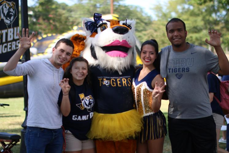 Students celebrate first Tiger Football home game
